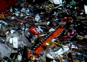 打捞收集漂浮垃圾