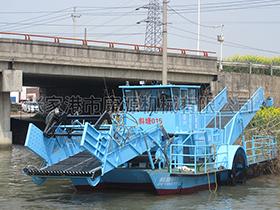 江苏  双驱型多功能水域保洁船