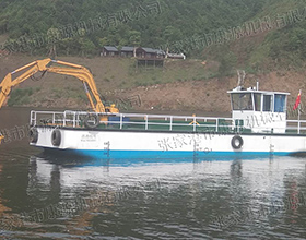 重型垃圾打捞船