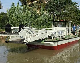 多功能割草保洁船